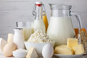 مسؤول: تعويم أسعار الألبان والأجبان في سورية أفضل من تحديدها في جداول التموين