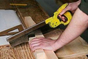 النجارون يطالبون بعدم استيراد الأثاث الخشبي وتأمين المواد الأولية