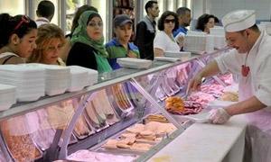 تراجع مبيعات التجزئة في لبنان20% خلال الشهر الماضي.. وارتفاع كبير في أسعار السلع الغذائية وكيلو لحم الغنم بـ30 ألف