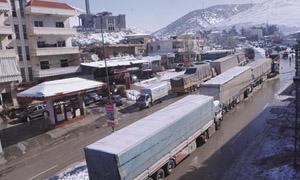 عطل تقني في الجمارك السورية!!.. أكثر من 500 شاحنة تنتظر الدخول إلى سوريا