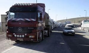 30 صهريج مازوت يدخل الأراضي السورية بمواكبة أمنية لبنانية