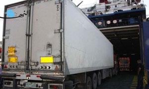 باكورة الخط البحري من مرفأ طرابلس: باخرة محمّلة بـ 60 شاحنة إلى السعودية