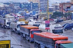 بعد قرار منع الشاحنات السورية ..وزير لبناني يطلب من سورية عدم اتخاذ أي إجراءات عكسية والسبب؟