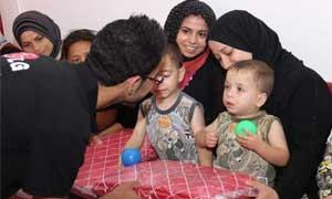 شركة LG تقوم بتوزيع بطانيات ومستحضرات العناية للوافدين السوريين في  مراكز الإيواء