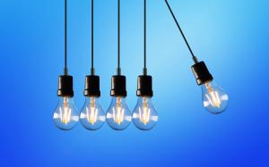 مسؤول حكومي يقول: إرتفاع إستهلاك الكهرباء في سورية بسبب إلتزام المواطنين منازلهم!!