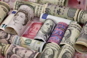 أسواق العملات في العالم تترقب بيانات اقتصادية واجتماعات هامة!