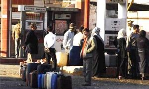 أزمة المازوت تمتد الى الرقة وسعر الليتر الواحد في السوق السوداء يباع بـ 150-200 ليرة