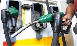 وزير النفط: لجنة لمتابعة أسعار النفط واحتمال تخفيض بعض أسعار المشتقات