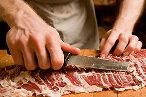 أين الرقابة.. أسعار اللحوم ترتفع بشكل قياسي في دمشق وكيلو الهبرة تلامس 6 ألاف ليرة
