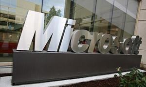 الاتحاد الأوروبي يغرم مايكروسوفت 731 مليون دولار ويحذر آخرين