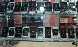 رغم تخطي أسعارها القدرة الشرائية لدخل المواطنين..ارتفاع غير مسبوق لأسعار الهواتف الذكية في سورية