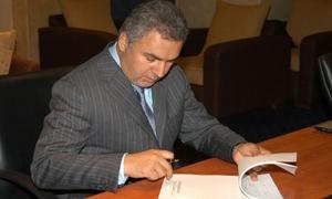 رفع العقوبات الأوربية عن رجل الأعمال السوري محمد حمشو وأثنين أخرين