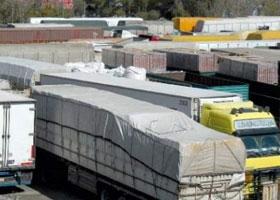 النقل تطلب من أصحاب الشاحنات الخليجية المملوكة لسوريين داخل سورية بتسوية أوضاعها
