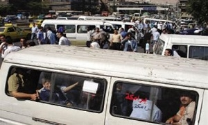 تفاقم أزمة النقل في دمشق وريفها وأرتال المواطنين بالطرقات تنتظر الحل