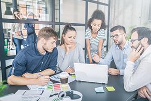 كيف تفكر استراتيجيا لتحسين أداء مشروعك الناشىء