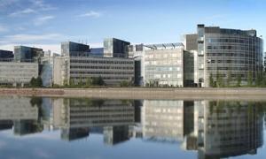 شركة نوكيا لصناعة الهاتف المحمول تدرس بيع مقرها بفنلندا