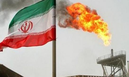 شركات خاصة تسوق النفط الإيراني بأسعار رخيصة للتغلب على العقوبات