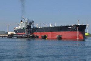 وصول ناقلة نفط خام بكمية 136 ألف طن إلى مصفاة بانياس