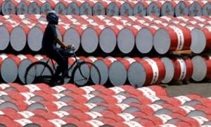 النفط يغلق على مكاسب قوية بفعل مخاوف بشان الامدادات وعلامات على ارتفاع الطلب الصيني