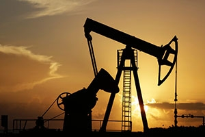 النفط يرتفع 2% رغم زيادة مخزونات أمريكا
