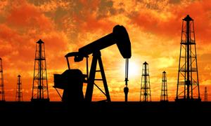 النفط يهوي 8 بالمئة الاسبوع الماضي مسجلا أكبر هبوط منذ مارس