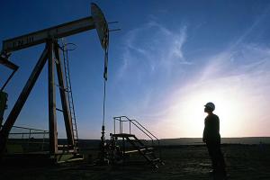 النفط يتجاوز 60 دولاراً لأول مرة منذ يناير 2020