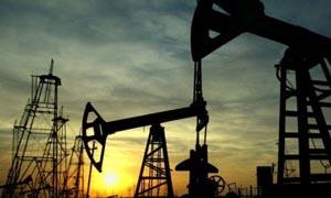 النفط الخام يهبط  دون 123 دولارا