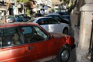 نحو 700 مليون ليرة إيرادات مواقف السيارات المأجورة غير المرخصة في دمشق سنوياً