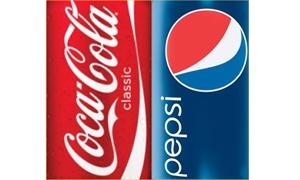 كوكاكولا وبيبسي يغيران مادة في المشروبات لتفادي وضع تحذير من السرطان عليها