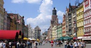 وفد اقتصادي سوري يبحث مع بولندا تعزيز التبادل الاستثماري والتجاري