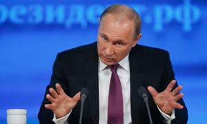 رئيس روسيا يخفض 10% من راتبه مع تداعيات هبوط النفط