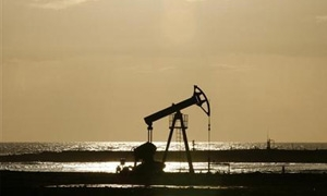 النعيمي يقول ان السعودية تضخ 10 ملايين برميل يوميا من النفط الخام
