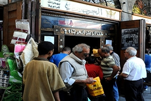 أسواق دمشق تسجل 200 مخالفة تموينية وإغلاق 13 محلاً منذ بداية رمضان