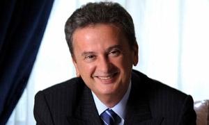 حاكم مصرف لبنان: لا أزمة مالية ولا خروج لأموال أو تحويل إلى الدولار
