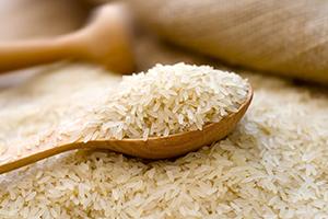 بعد ان قفزت أسعاره 50% خلال 3 أشهر..ماهي أسباب ارتفاع أسعار الرز في الأسواق السورية؟