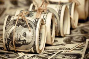 السواح: الدولار سينخفض في وقت قريب.. والمضاربون إلى خسارة