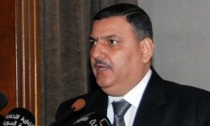إقالة رئيس الوزراء رياض حجاب من منصبة وتكليف وزير الادارة المحلية بتسيير الاعمال مؤقتاً