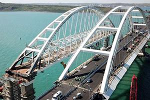 اليوم.. بوتين يدشّن أطول جسر في أوروبا