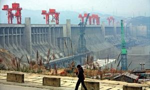 الصين تدشن سداً بطاقة 15 مفاعلاً نووياً