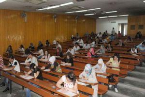 وزير الكهرباء يعد بإلغاء التقنين أثناء تقديم الامتحانات الجامعية