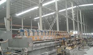 أزمة الطاقة تغلق 14 منشأة صناعية وتسرح 5 آلاف عامل