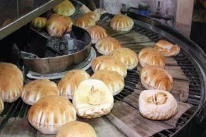 في ريف دمشق..أفران تعيد إنتاج الخبز اليابس وتتلاعب بوزن ربطات الخبز