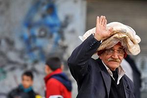 أيها المواطن السوري: ابتسم بصمت حتى لا تدفع ثمن هذه الرفاهية..فالمالية رصدت ابتسامتك!