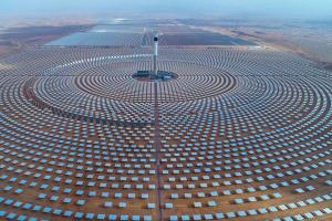 الطاقة الشمسية أو طاقة الريح وكيفية الإستفادة منها في توليد الكهرباء وسط أزمات انقطاعها في بعض الدول العربية