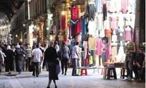أسعار الألبسة ترتفع 40%.. والتجار الدولار هو السبب
