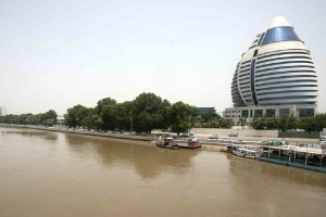 معدل التضخم في السودان يتجاوز الـ400  بالمئة