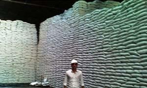 العراق يطرح عطاء لشراء 50 ألف طن سكر مكرر