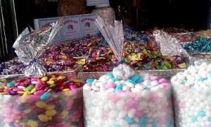 سوق البزورية بدمشق ينشط مع الأعياد وكيلو الملبس البلدي بـ2200 ليرة