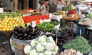 أسعار الخضار والفواكه واللحوم في دمشق: صحن البيض بـ725 ليرة والفروج المشوي بـ1800 ليرة
