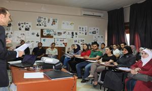 هيئة التشغيل تختتم دورة تدريبية لـ 60 طالب اقتصاد